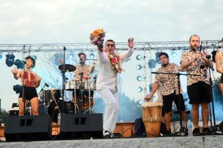El ritmo y el calor de Delio Valdez brillaron en Vicente López