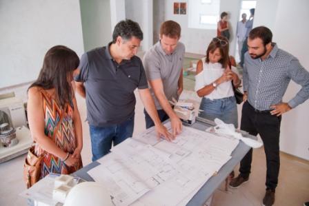 Jorge Macri recorrió la obra de unificación y ampliación del Jardín de Infantes Nº10 y Jardín Maternal Nº12