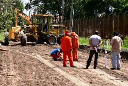 San Fernando repavimenta el tramo de Martín Rodríguez que atraviesa la zona industrial del distrito