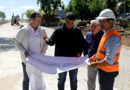 Jorge Macri, intendente de Vicente López, recorrió la obra que se está desarrollando sobre la calle Lavalle, entre la Avenida del Libertador y el Paseo de la Costa