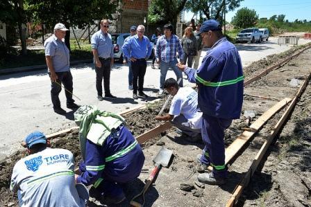 En Benavídez y Don Torcuato, el intendente Julio Zamora monitoreó trabajos de asfalto y la construcción de una nueva senda aeróbica. Además, recorrió Camino de los Remeros donde se efectúan labores de forestación.