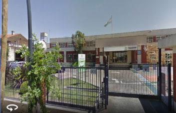 Unos trece trabajadores de la fábrica de cristales para automóviles Pilkington fueron despedidos mientras estaban de vacaciones y reclaman la reincoporación, mientras otros 57 están en alerta por eventuales nuevas cesantías.