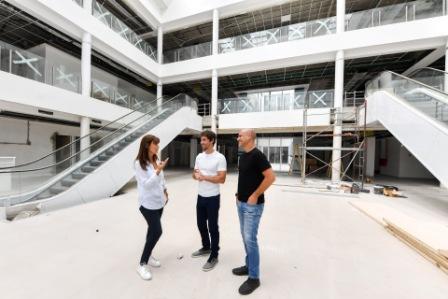 Juan Andreotti recorrió la última etapa de la obra del Hospital Municipal