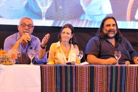 El intendente y presidente del PJ Tigre participó de lanzamiento del Foro en Defensa de la Educación Pública, realizado por la comunidad educativa del distrito.