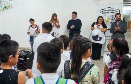 Iniciaron las clases en Vicente López y se entregaron kit escolares