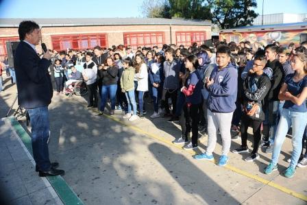 Posse presidió el inicio de clases del nivel secundario en San Isidro