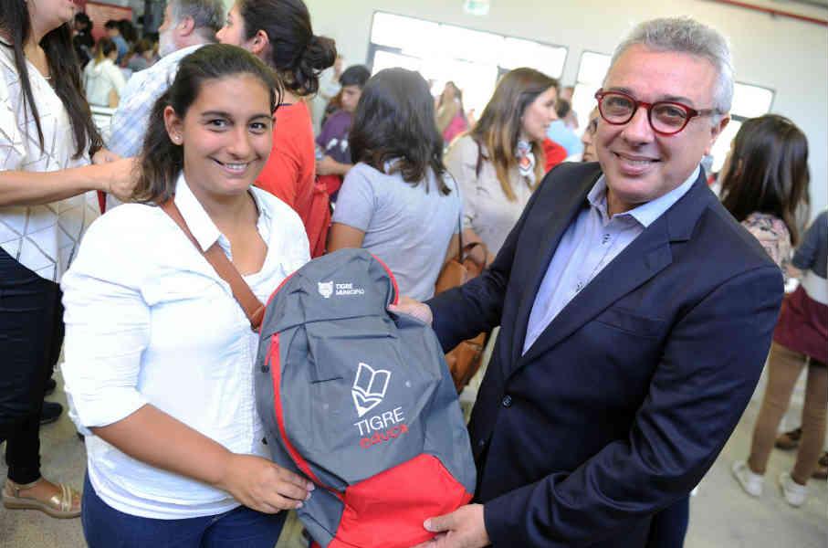 """Julio Zamora: """"En Tigre seguimos apostando a la educación y al futuro de los estudiantes"""""""