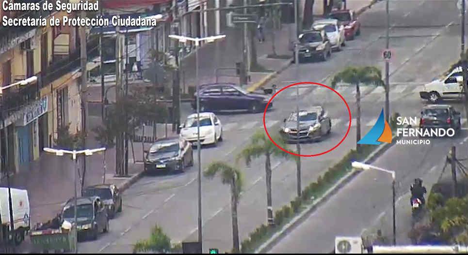 San Fernando: Gracias a las cámaras de seguridad fue interceptado un auto robado y detenido el conductor en estado de ebriedad