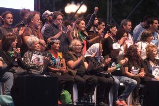 Ante una plaza colmada, organismos de derechos humanos recordaron el aniversario 43 del último golpe militar
