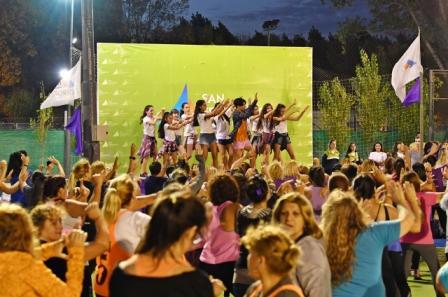 Las sanfernandinas disfrutaron de una Masterclass de Ritmos Latinos en el Poli N° 7