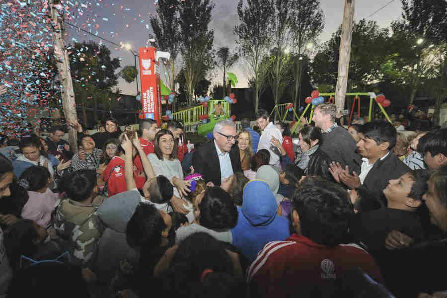 Julio Zamora inauguró en Benavidez la plaza N°29 y destacó el avance de obras de infraestructura, salud, educación y cultura