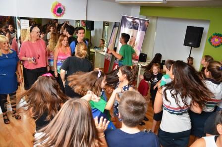 Becan a chicos para la escuela de comedia musical de Valeria Lynch en San Isidro