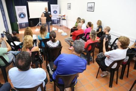 Capacitan en RCP a profesores de educación física de las escuelas de San Isidro