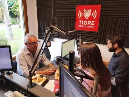 Con una entrevista a Julio Zamora, Tigre Radio Online estrenó su nuevo estudio