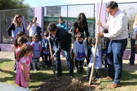 Alumnos de San Isidro plantarán árboles en todo el distrito