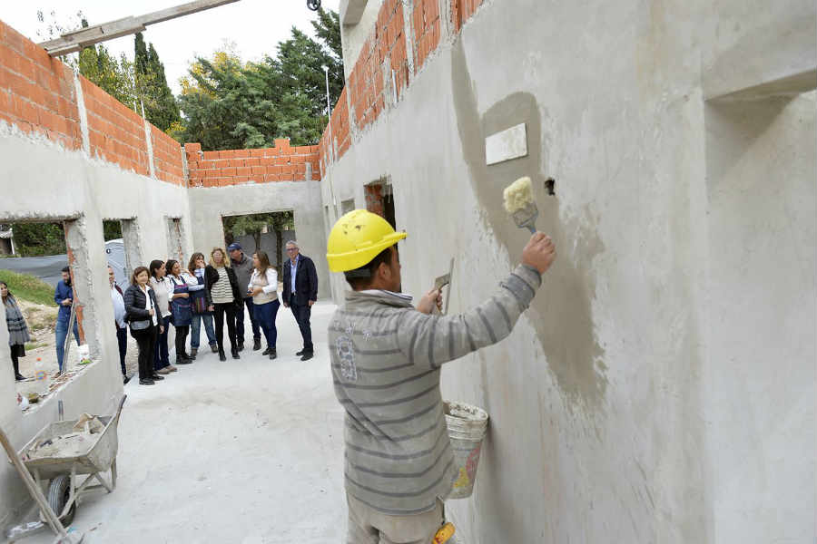 Julio Zamora supervisó la construcción del primer jardín maternal municipal en Don Torcuato