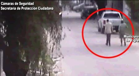 Las cámaras de Tigre los atraparon intentando abrir una camioneta