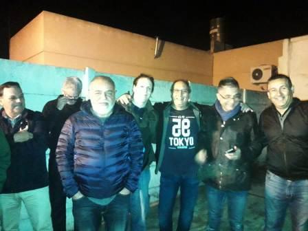 La reunión organizada por los vecinos Alejandro labraga, Humberto Meringolo y Daniel Ibáñez, se realizó el pasado martes 30 de abril en la esquina de Patagonia y O' Higgins.