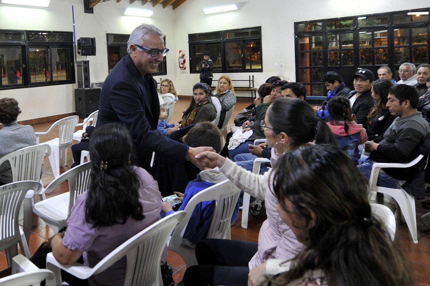 Julio Zamora se reunió con más de 200 vecinos migrantes de Benavídez y atendió sus inquietudes