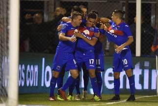 Tigre fue más que Racing y lo venció en la ida de los cuartos de la Copa de la Superliga