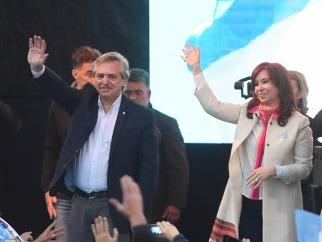 """Alberto Fernández y Cristina Kirchner se mostraron juntos por primera vez y pidieron """"convencer a los que fueron defraudados"""""""