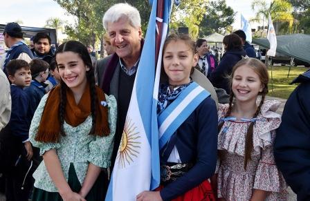 San Fernando festejó el Día de la Patria con el Dúo Coplanacu y miles de vecinos