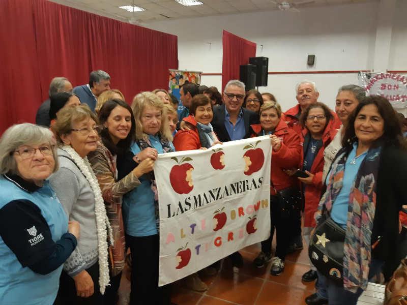 Julio Zamora destacó la labor social en los barrios de más de 500 trabajadoras vecinales