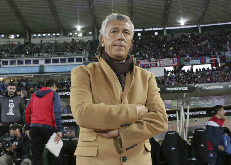 """Néstor Raúl Gorosito, el hombre que derramó la convicción necesaria para sacar el máximo de los jugadores de Tigre pese al descenso a Primera B Nacional, esquivó hoy el existimo que rodeará esta obtención al afirmar que no es """"mejor ahora"""" que salió campeón."""