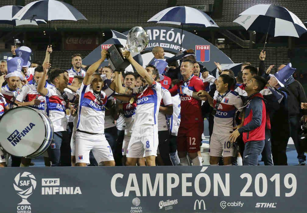 Tigre se consagró Campeón por primera vez al ganar la copa de la Superliga ante Boca ()