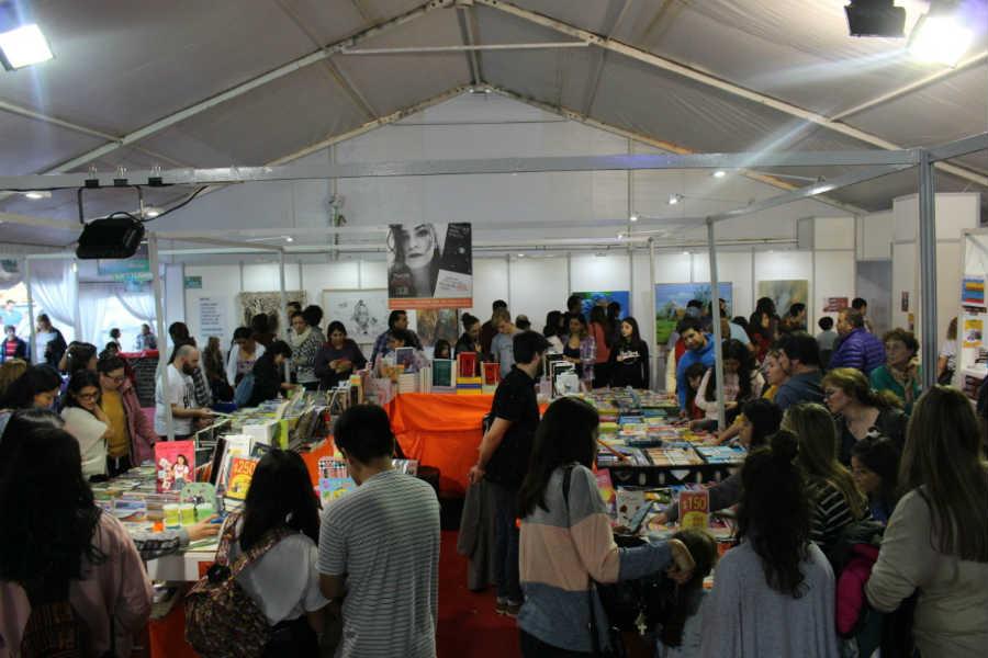 Más de 20.000 personas pasaron por la Feria del Libro de Pilar en sus primeros dos días
