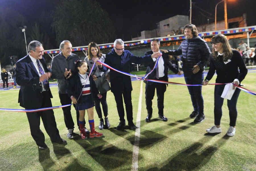 El Tigre Rugby Club inauguró su nueva cancha de hockey sintético