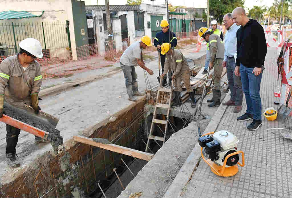Titulo: San Fernando avanza con las obras hidráulicas en el boulevard Martín Jacob