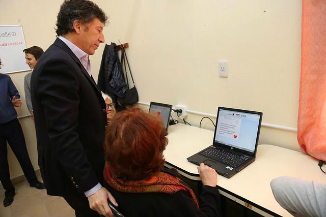 San Isidro: nueva sala de alfabetización digital para adultos mayores