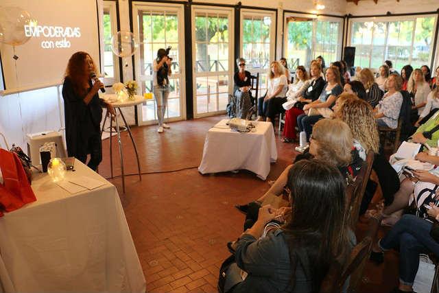 tercera jornada de capacitación para mujeres emprendedoras