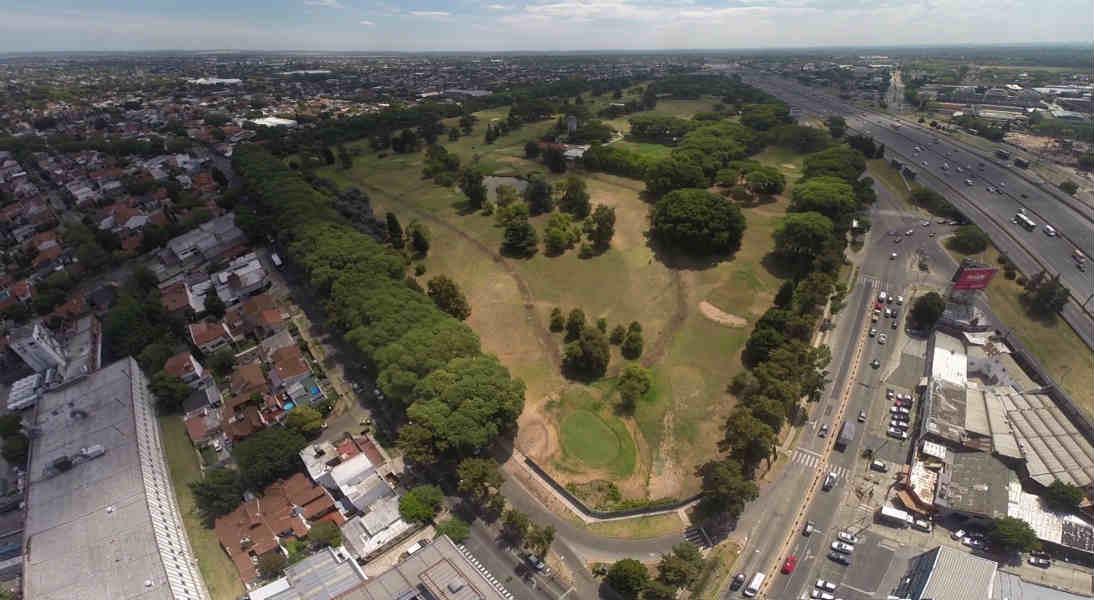 Posse celebró que el golf de Villa Adelina sea espacio verde