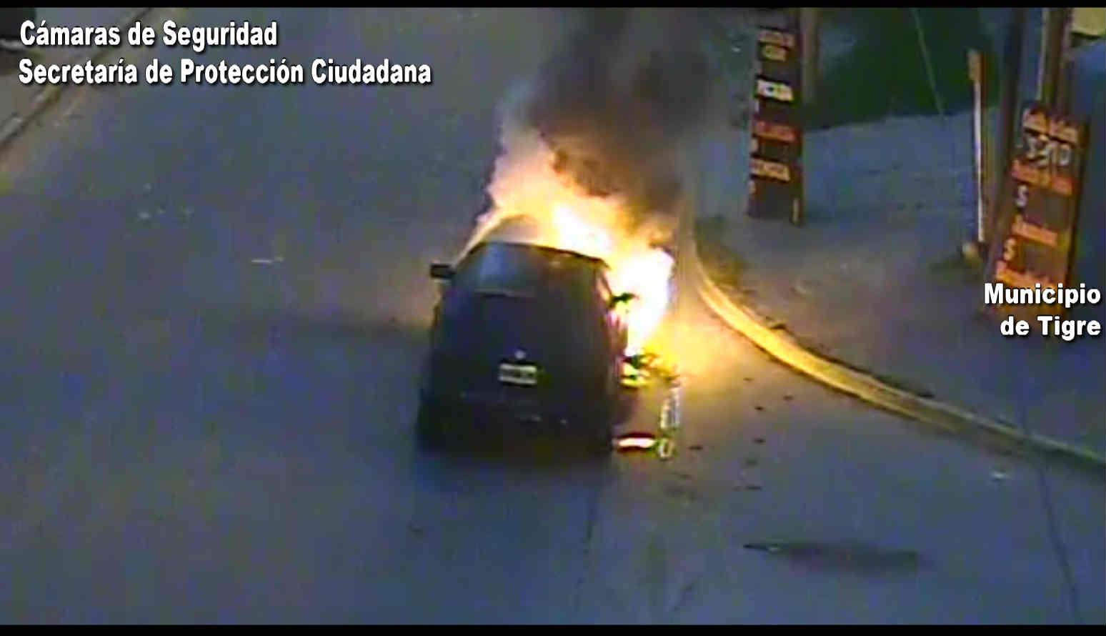 Benavídez: el rápido accionar del Sistema de Protección Ciudadana de Tigre controló un incendio vehicular