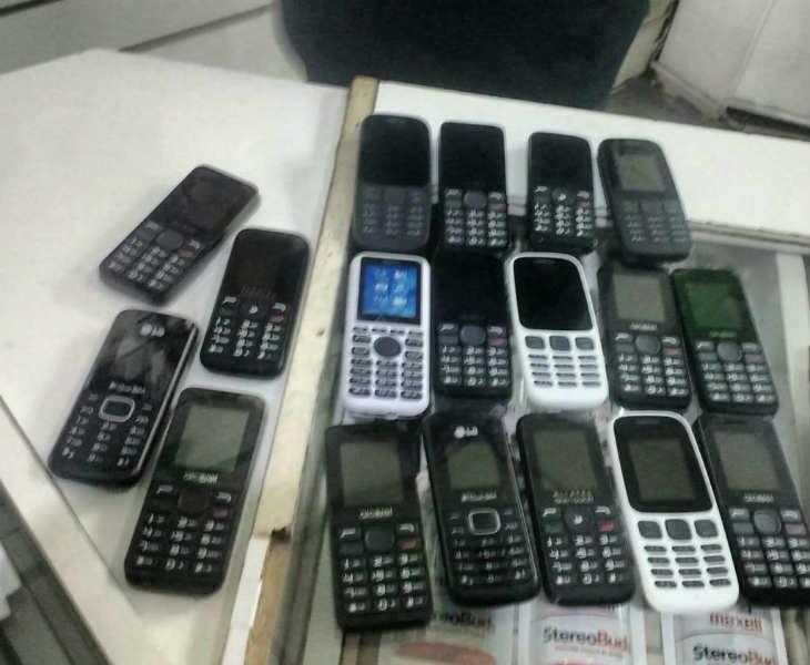 Secuestran 260.000 pesos en celulares y mercadería de contrabando en Vicente López