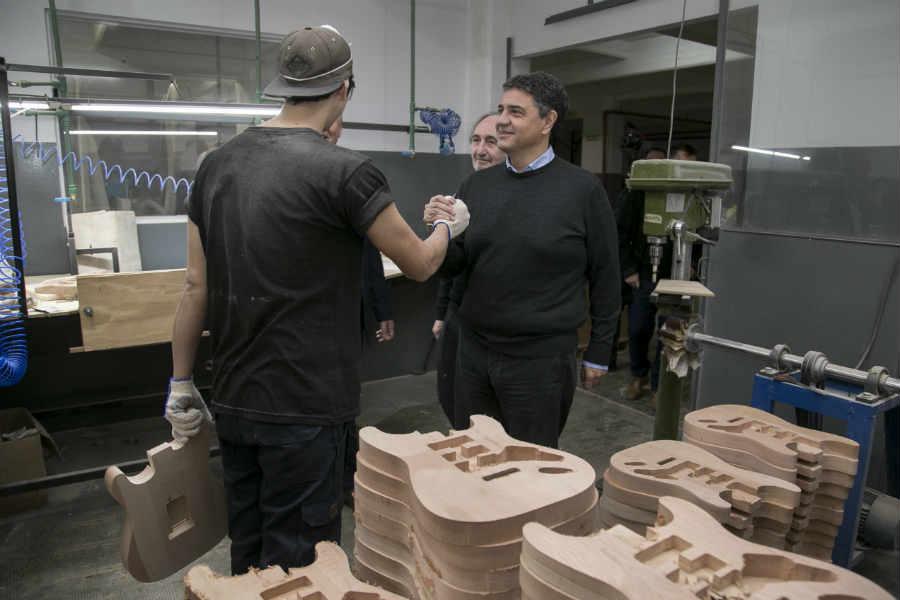 Jorge Macri recorrió la fabrica de instrumentos musicales Tevelam en Florida Oeste