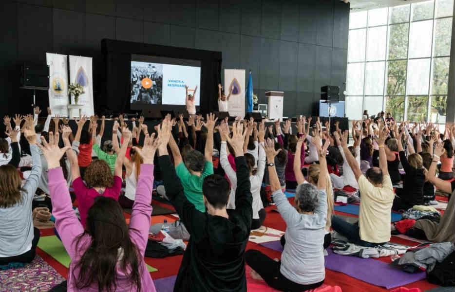 Vicente López celebró el día internacional de la Yoga