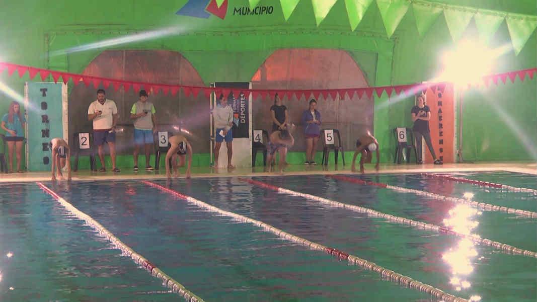 """Comenzó en el """"Poli"""" N°7 de San Fernando la etapa local de Natación de los Juegos Bonaerenses 2019"""