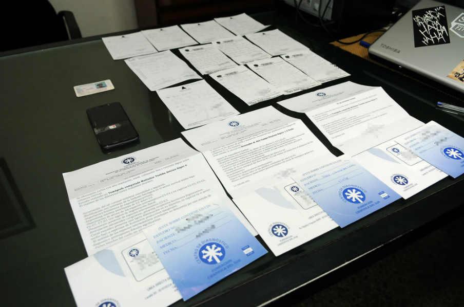 Desmantelan una organización que expedía certificados médicos truchos para docentes y auxiliares