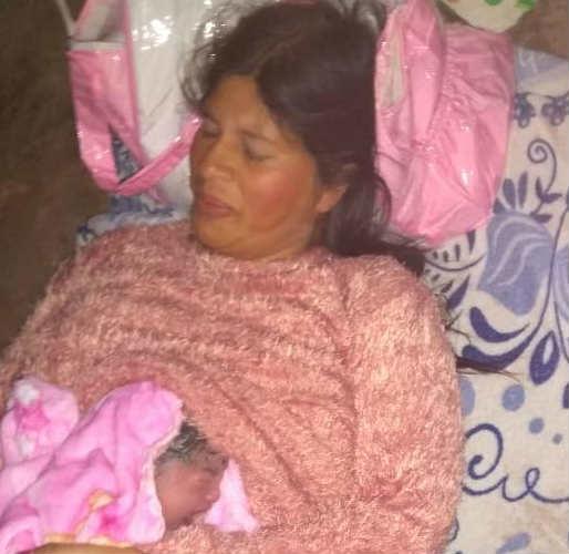 Policías parteros ayudaron a dar a luz a una mujer en Pilar