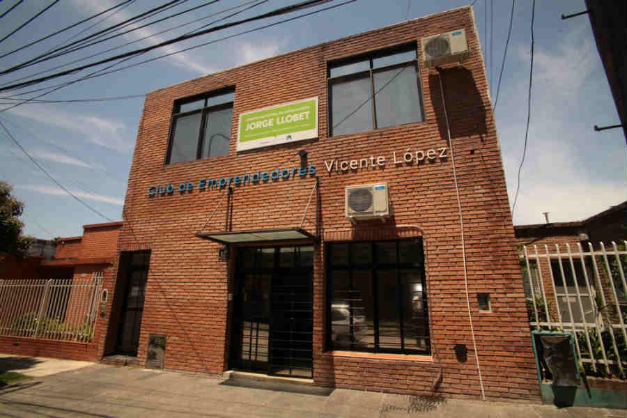 "Centro Municipal de Capacitación Laboral de Villa Martelli ""Jorge Llobet"" (Chile 219)"