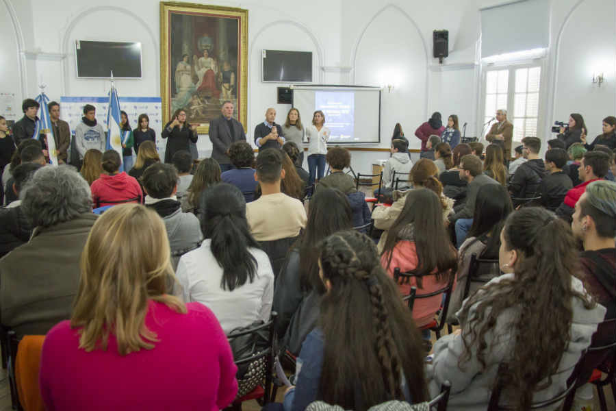 Estudiantes de Pilar protagonizaron el Parlamento Juvenil del Mercosur