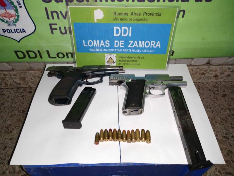 Detienen en Lomas de Zamora a una  banda que asaltaba vehículos de reparto de mercadería comprada en Internet