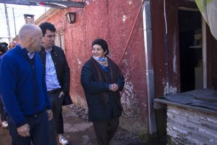El intendente Nicolás Ducoté y el Secretario de Vivienda de la Nación, Iván Kerr, realizaron hoy un recorrido de la obra finalizada de la nueva red troncal de gas del barrio Luchetti, de Villa Rosa.