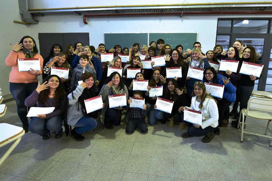 Tigre capacitó a empleados municipales, docentes y vecinos en Lengua de Señas