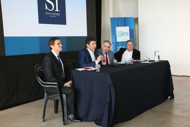 Reunidos en San Isidro, los municipios defienden el cobro de la tasa a las petroleras