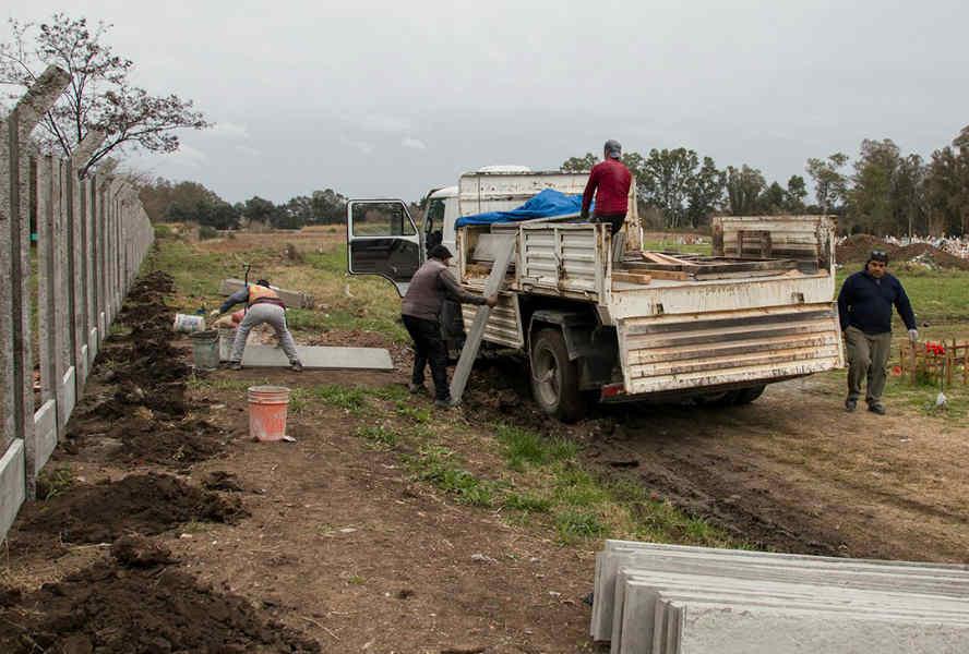 Pilar realiza obras de mantenimiento en los tres cementerios