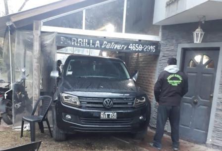 La Policía incautó en Moreno más de 163 kilos de marihuana ocultos en una camioneta
